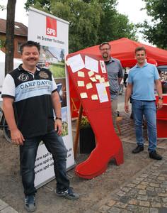 """Die SPD-Ortsvereine Oberneuland, Borgfeld und Horn-Lehesterdeich arbeiten eng zusammen. Irh erkennungszeichen ist der """"Rote Schuh""""."""